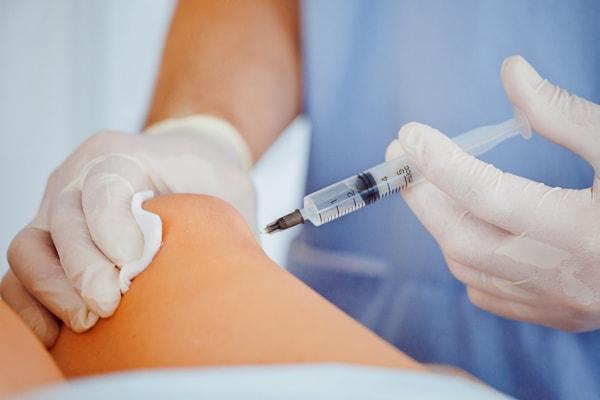 変形性膝関節症の治療法のステロイド注射とは