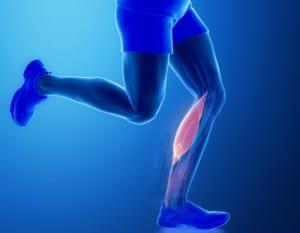 膝が伸びない原因のひとつ腓腹筋